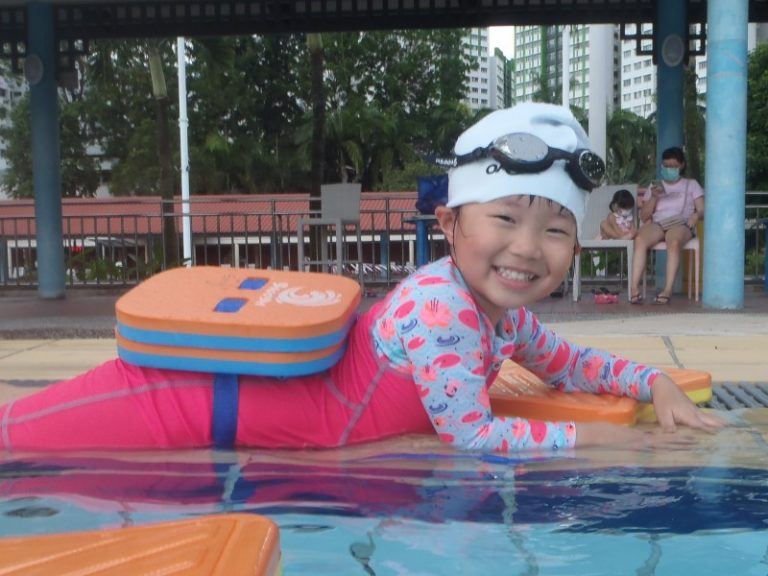 Private swimming lessons learning to swim swimsafer stage 1