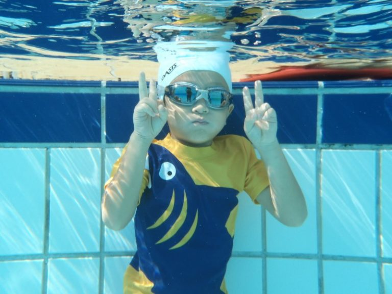 Private swimming classes water confidence swimming pools swimsafer stage 2