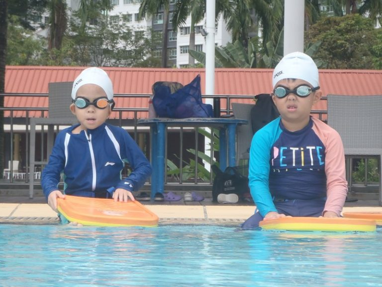 condo swimming lessons Singapore swimming pools swimsafer stage 3